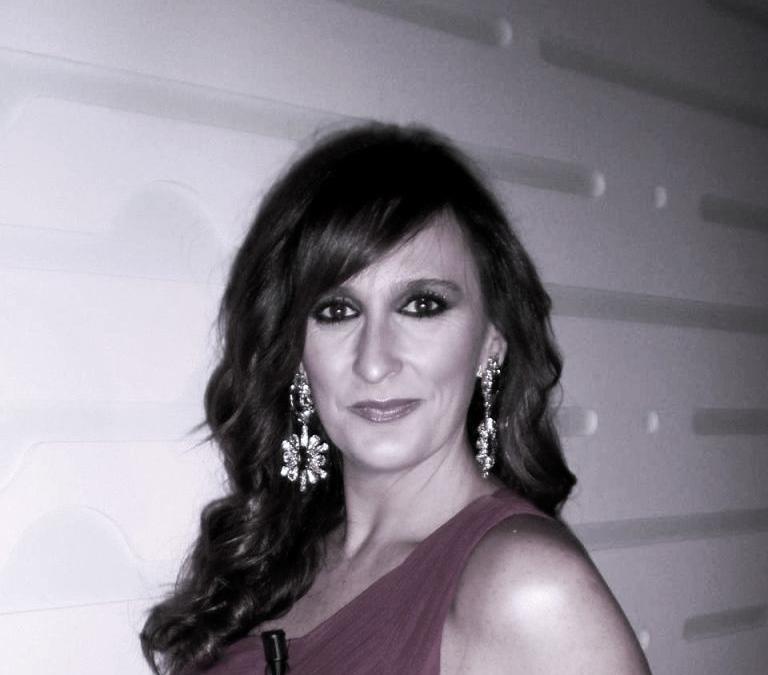 """SECCIÓN ESCÚCHAME. Hoy con Eva Carrasco locutando """"Lugares para habitar"""""""